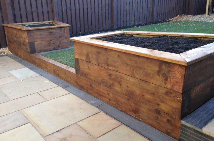 SOWN SANDSTONE & SLEEPER PLANTERS IN GLENROTHES