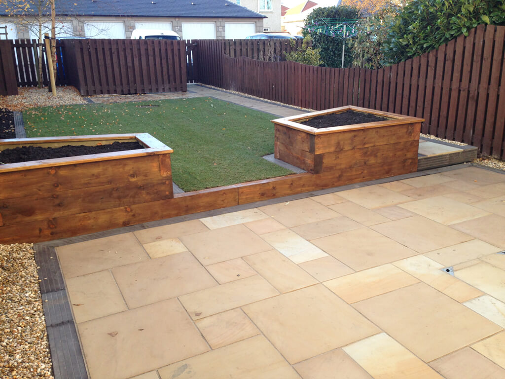 Sown Sandstone Amp Sleeper Planters In Glenrothes