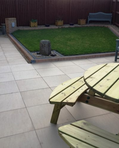 PORCELAIN PAVING & BRICK WALLS IN KIRKCALDY