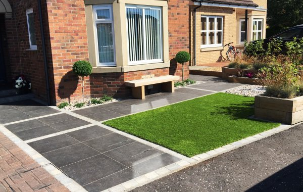 Vitrified Paving, Oak Sleepers & Artificial Grass in Dunfermline
