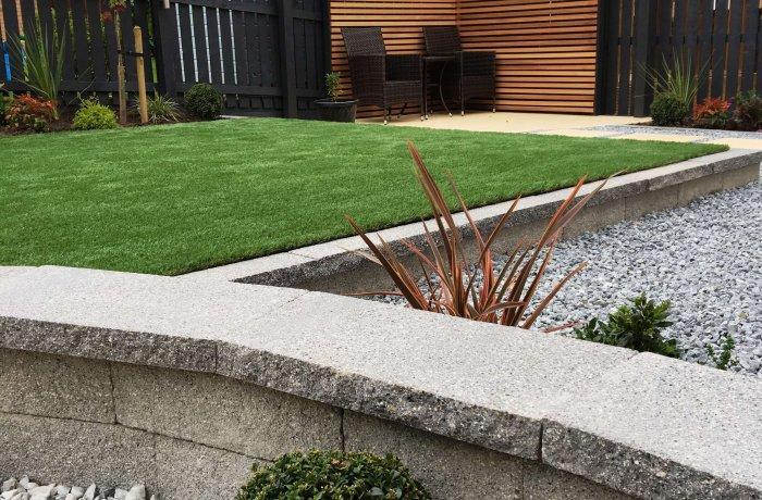 Argent Walling, Cedar Battens & Artificial Grass in Dunfermline