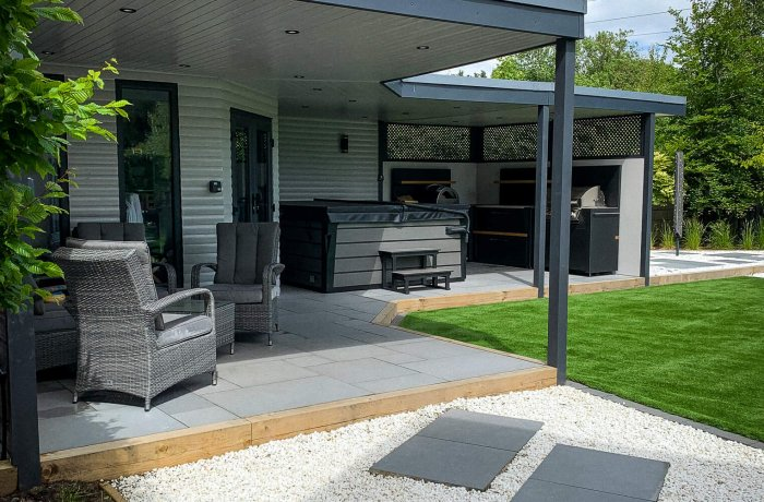 Low Maintenance Garden With A Covered Patio Grillo Kitchen & Entertaining Areas